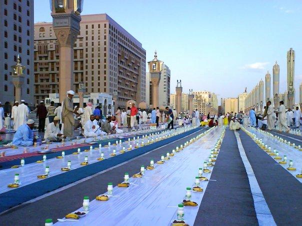 Iftar-in-Madina_Raimy